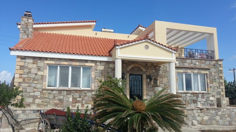 Дом в Кефалос у моря недорого